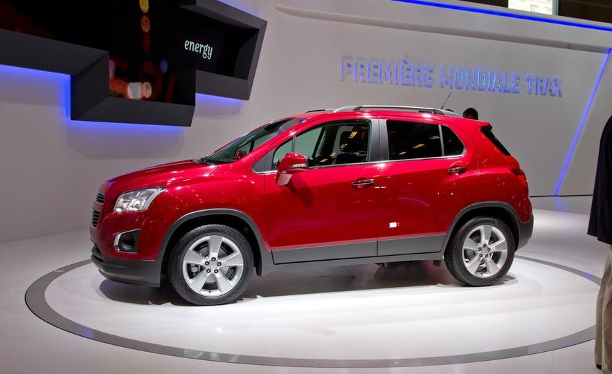 2013 chevrolet trax pictures photo gallery car and driver 2013 chevrolet trax slide 1 sciox Image collections