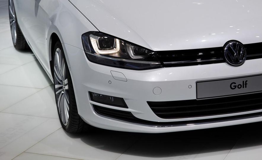 2014 Volkswagen Golf BlueMotion 3-door concept - Slide 28