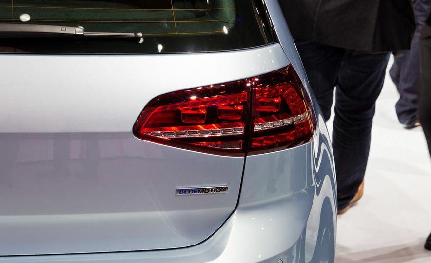 2014 Volkswagen Golf BlueMotion 3-door concept - Slide 16