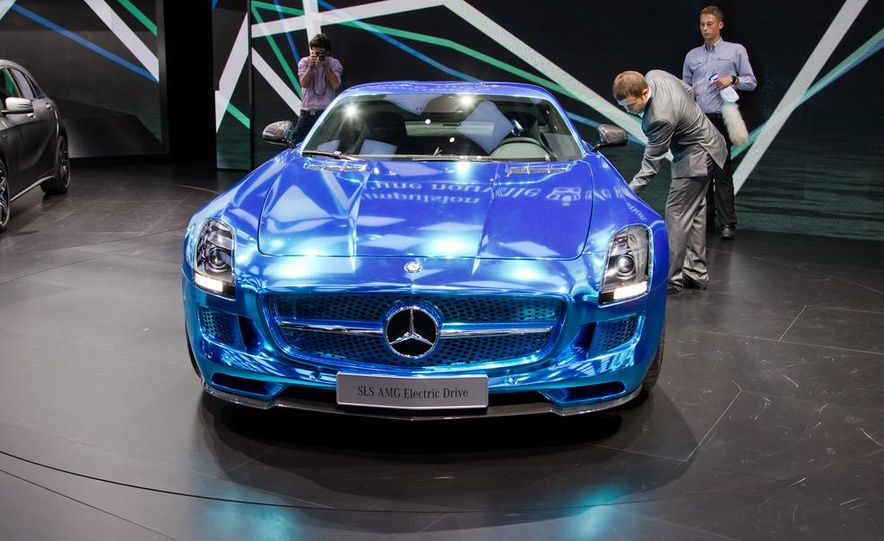 2014 Mercedes-Benz SLS AMG Electric Drive - Slide 6