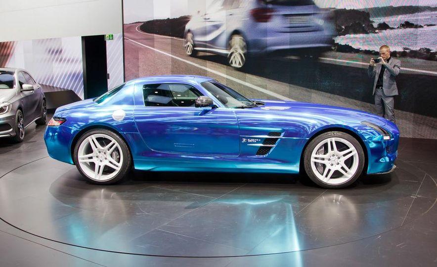 2014 Mercedes-Benz SLS AMG Electric Drive - Slide 8