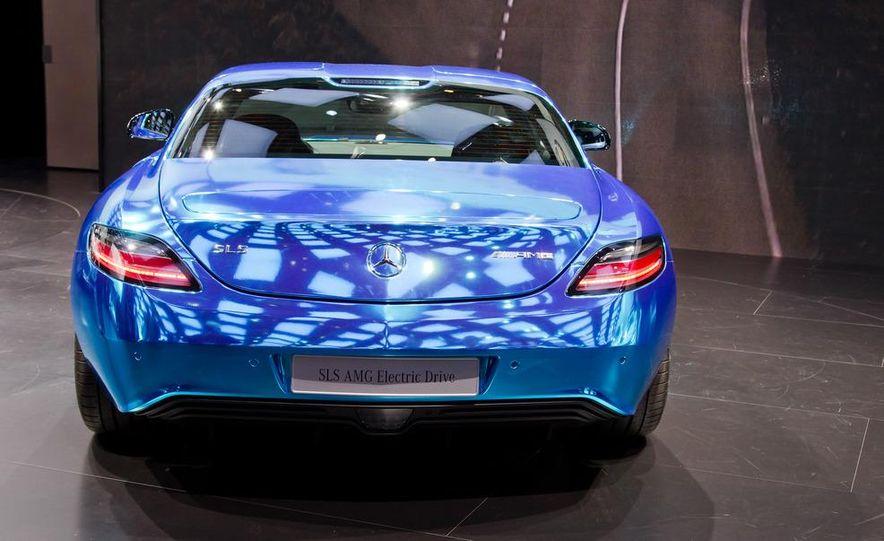 2014 Mercedes-Benz SLS AMG Electric Drive - Slide 12