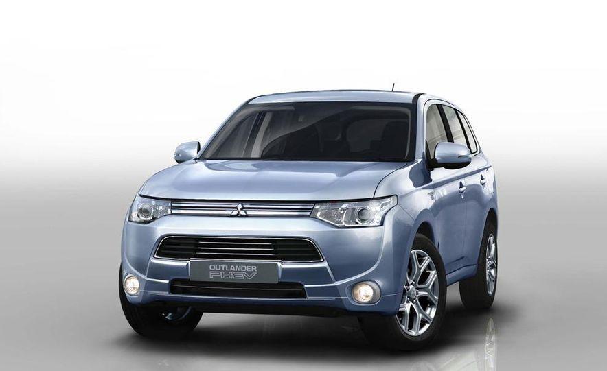 2013 Mitsubishi Outlander Plug-In Hybrid - Slide 1
