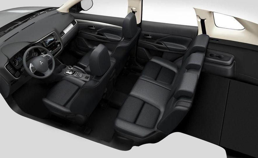 2013 Mitsubishi Outlander Plug-In Hybrid - Slide 7