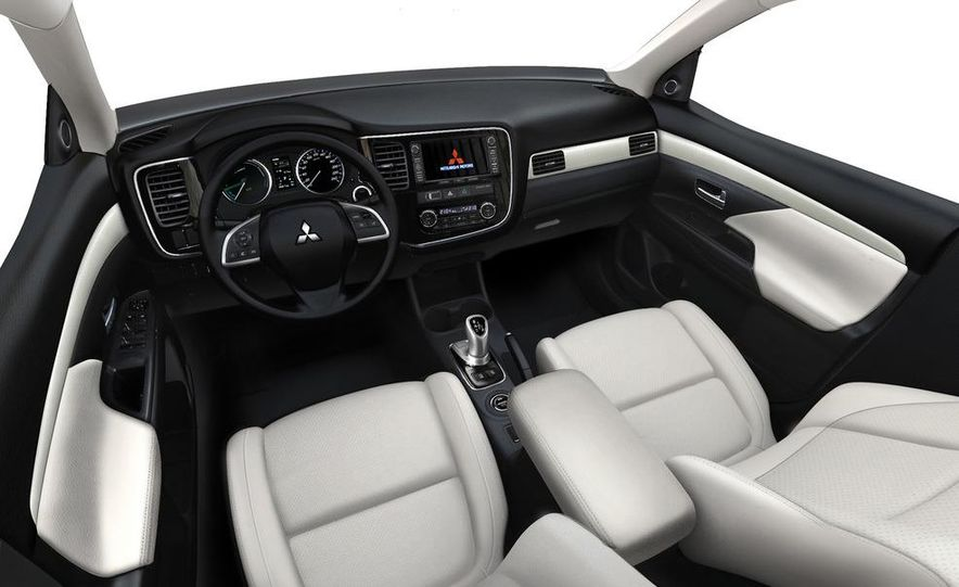 2013 Mitsubishi Outlander Plug-In Hybrid - Slide 10