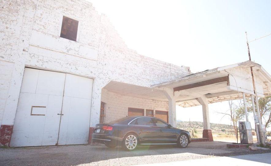 2012 Audi A8L 4.2 FSI Quattro - Slide 28