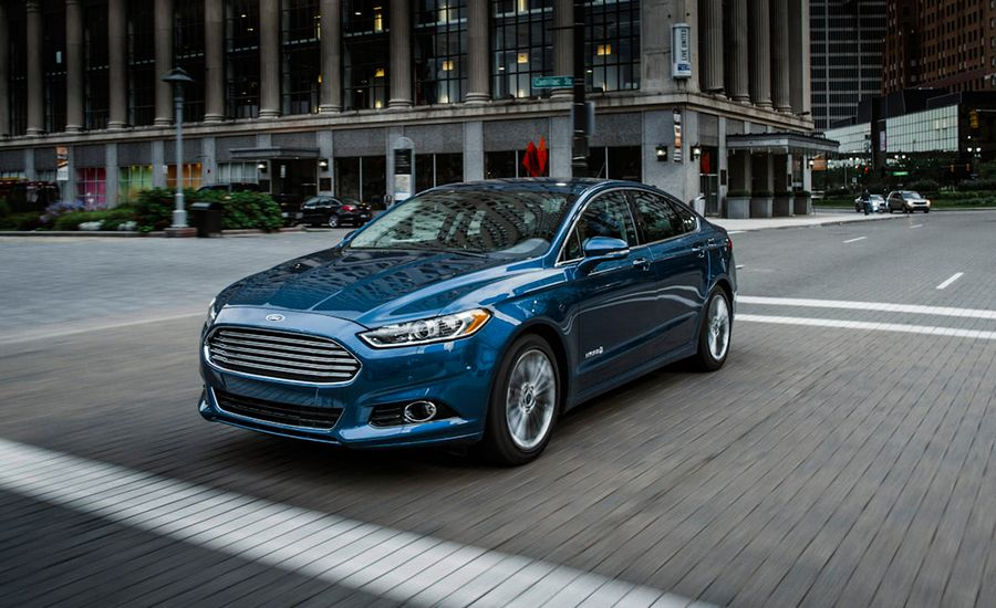 Ford Fusion Hybrid Review Car And Driver