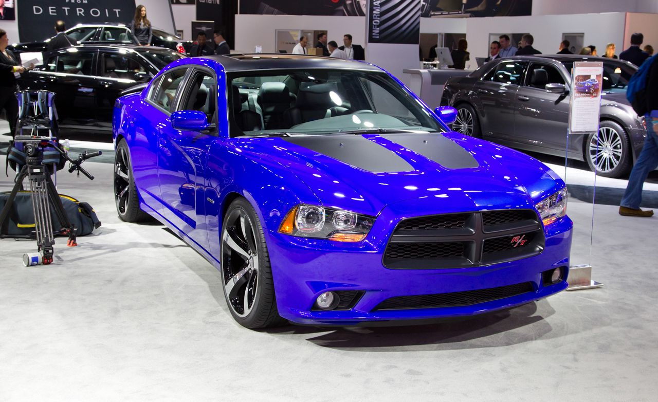 2013 dodge charger daytona debuts at l a auto show news car and driver. Black Bedroom Furniture Sets. Home Design Ideas