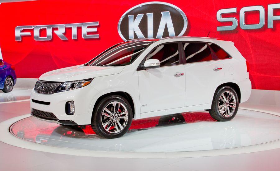 2014 Kia Sorento Photos And Info News Car And Driver