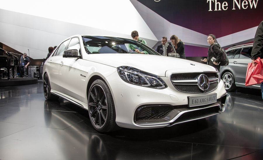 2014 mercedes benz e63 amg 4matic photos and info news for Mercedes benz e class e63 amg