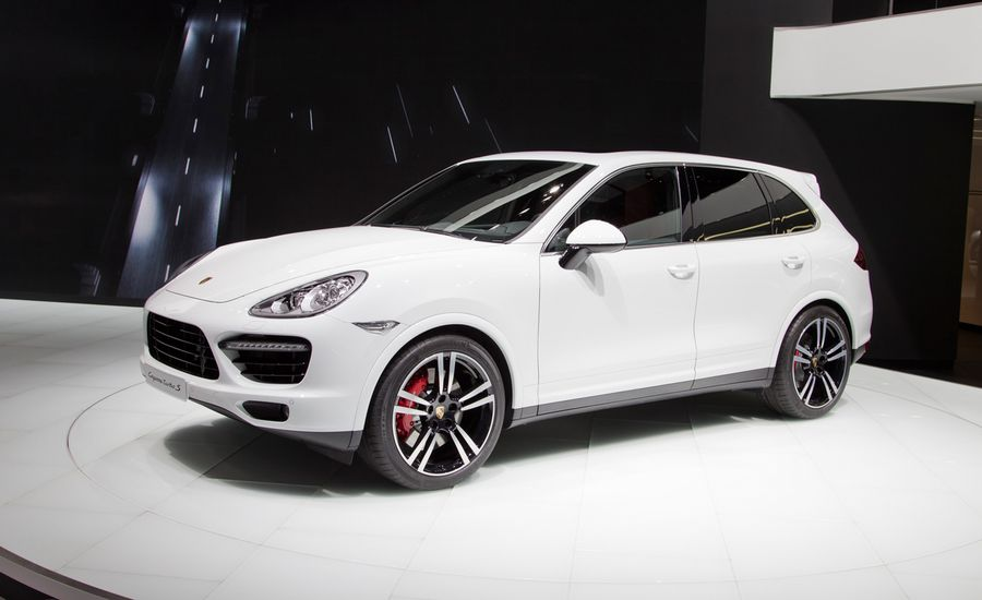 2014 porsche cayenne turbo s photos and info news car and driver. Black Bedroom Furniture Sets. Home Design Ideas