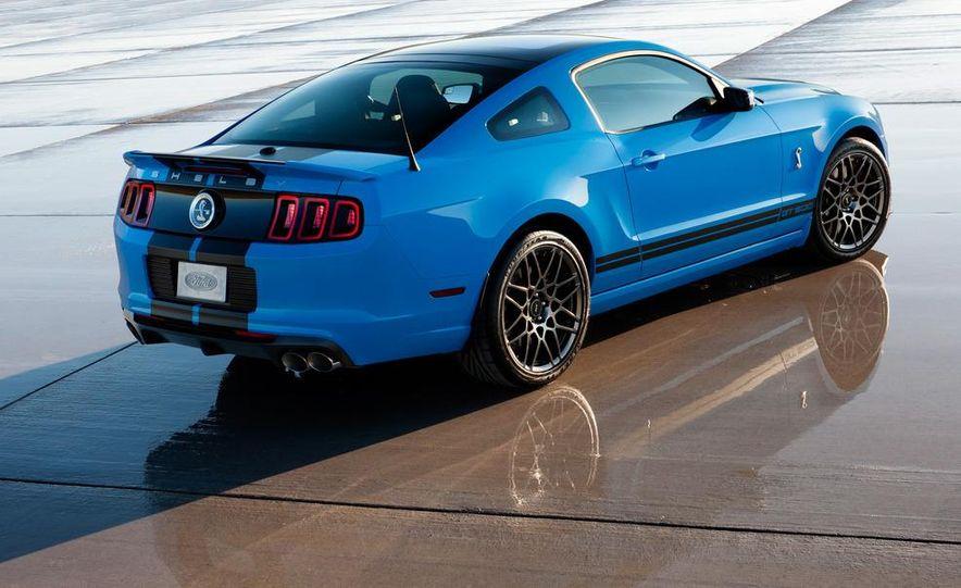 2015 Ford Mustang (artist's rendering) - Slide 30