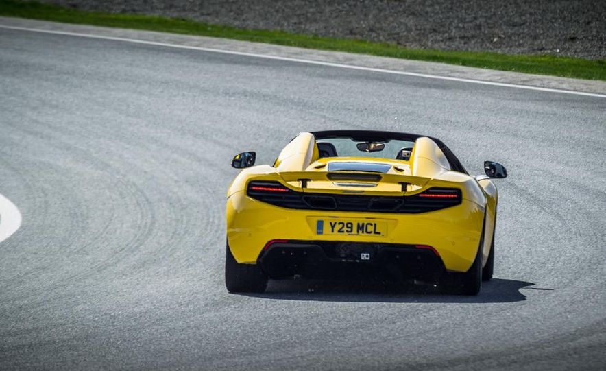 2013 McLaren MP4-12C Spider - Slide 196