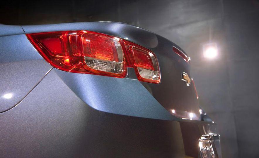 2013 Chevrolet Malibu LTZ - Slide 29