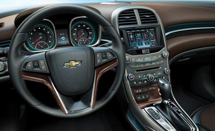 2013 Chevrolet Malibu LTZ - Slide 16