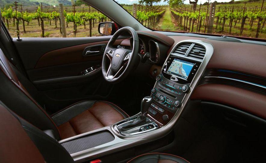 2013 Chevrolet Malibu LTZ - Slide 13