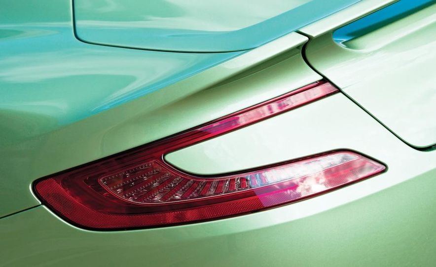 2013 Aston Martin Vanquishes - Slide 41