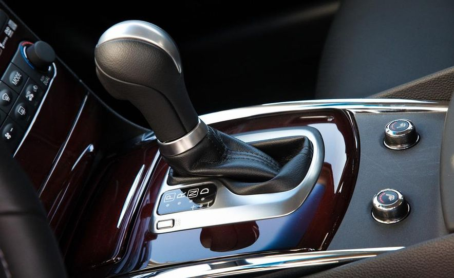 2014 Infinity G37 sedan (spy photo) - Slide 24