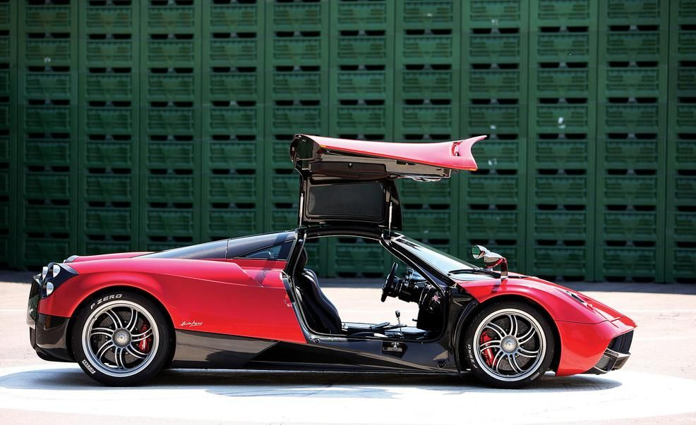 Pagani Huayra Reviews | Pagani Huayra Price, Photos, and Specs | Car ...