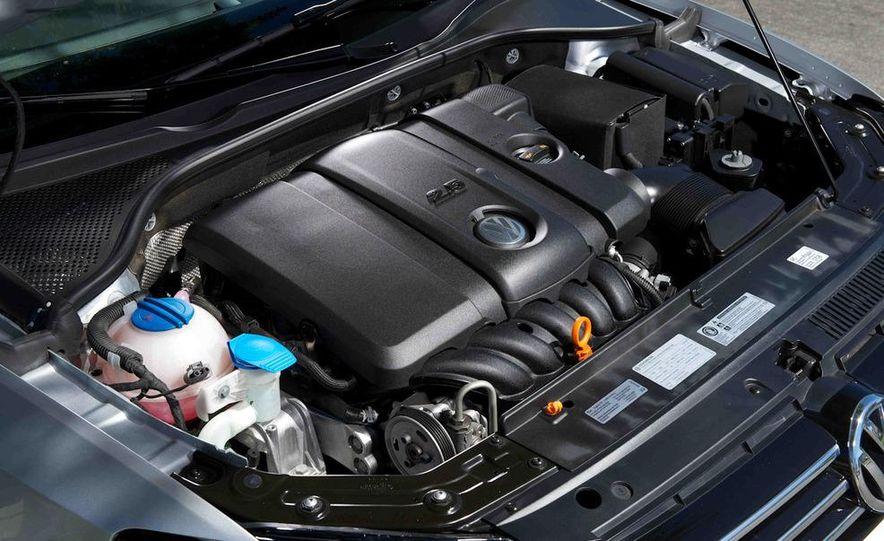 2013 Nissan Altima 2.5 SV sedan, 2012 Volkswagen Passat 2.5 SE, 2013 Honda Accord EX sedan, and 2013 Ford Fusion SE EcoBoost - Slide 93