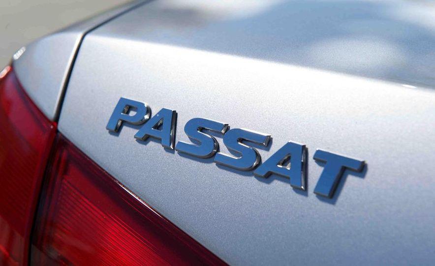 2013 Nissan Altima 2.5 SV sedan, 2012 Volkswagen Passat 2.5 SE, 2013 Honda Accord EX sedan, and 2013 Ford Fusion SE EcoBoost - Slide 83