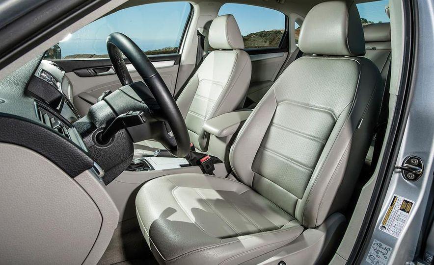 2013 Nissan Altima 2.5 SV sedan, 2012 Volkswagen Passat 2.5 SE, 2013 Honda Accord EX sedan, and 2013 Ford Fusion SE EcoBoost - Slide 85