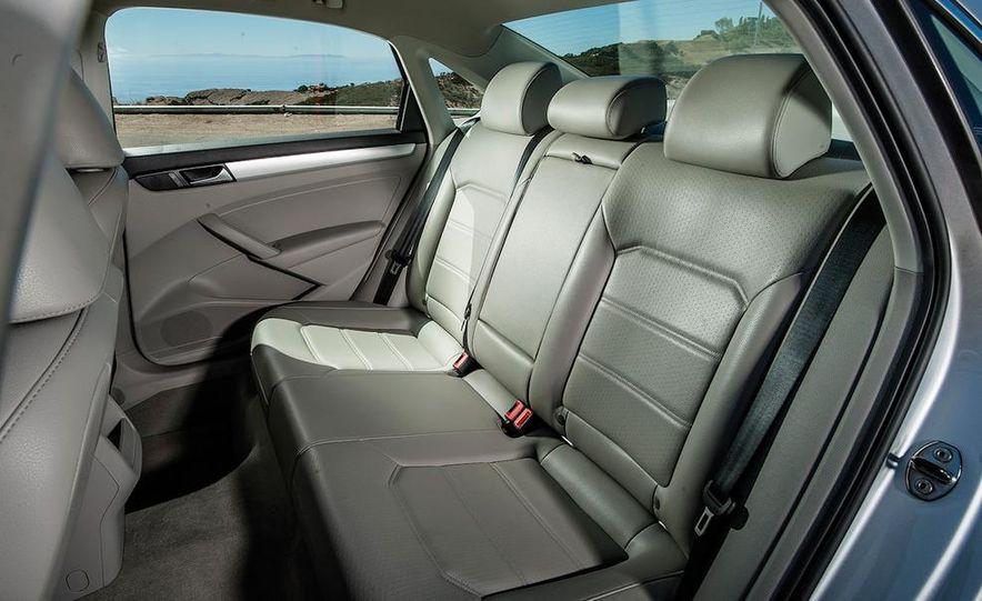 2013 Nissan Altima 2.5 SV sedan, 2012 Volkswagen Passat 2.5 SE, 2013 Honda Accord EX sedan, and 2013 Ford Fusion SE EcoBoost - Slide 86