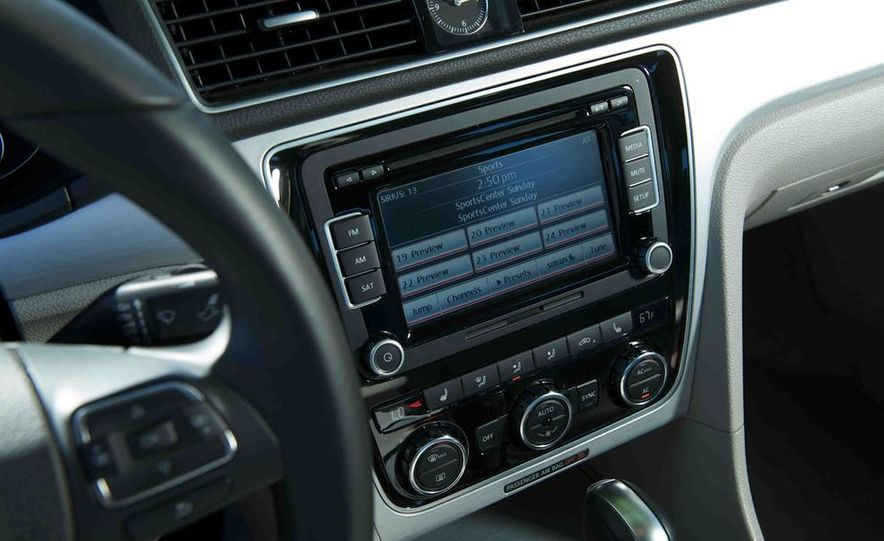 2013 Nissan Altima 2.5 SV sedan, 2012 Volkswagen Passat 2.5 SE, 2013 Honda Accord EX sedan, and 2013 Ford Fusion SE EcoBoost - Slide 89