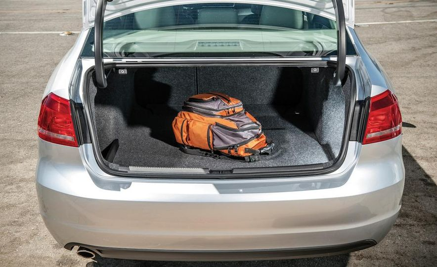 2013 Nissan Altima 2.5 SV sedan, 2012 Volkswagen Passat 2.5 SE, 2013 Honda Accord EX sedan, and 2013 Ford Fusion SE EcoBoost - Slide 92