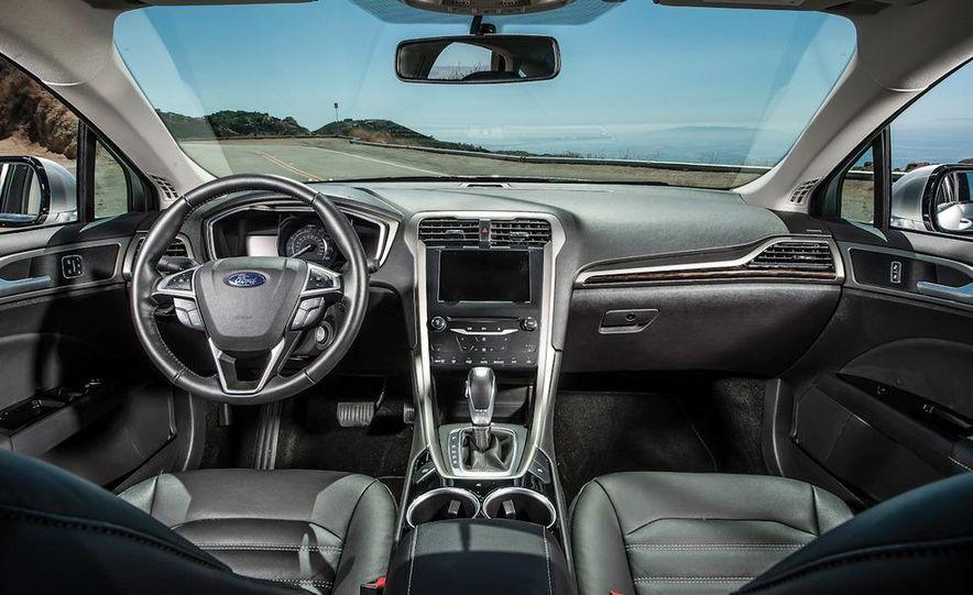 2013 Nissan Altima 2.5 SV sedan, 2012 Volkswagen Passat 2.5 SE, 2013 Honda Accord EX sedan, and 2013 Ford Fusion SE EcoBoost - Slide 25