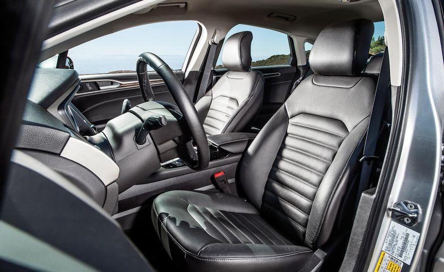 2013 Nissan Altima 2.5 SV sedan, 2012 Volkswagen Passat 2.5 SE, 2013 Honda Accord EX sedan, and 2013 Ford Fusion SE EcoBoost - Slide 26