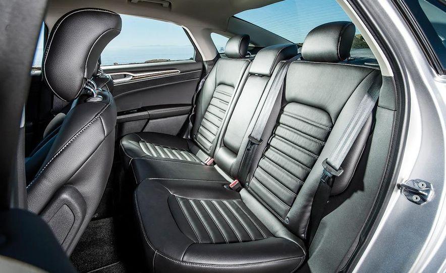 2013 Nissan Altima 2.5 SV sedan, 2012 Volkswagen Passat 2.5 SE, 2013 Honda Accord EX sedan, and 2013 Ford Fusion SE EcoBoost - Slide 27