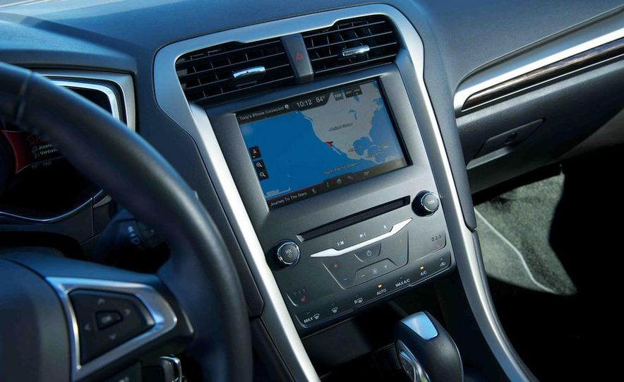 2013 Nissan Altima 2.5 SV sedan, 2012 Volkswagen Passat 2.5 SE, 2013 Honda Accord EX sedan, and 2013 Ford Fusion SE EcoBoost - Slide 28