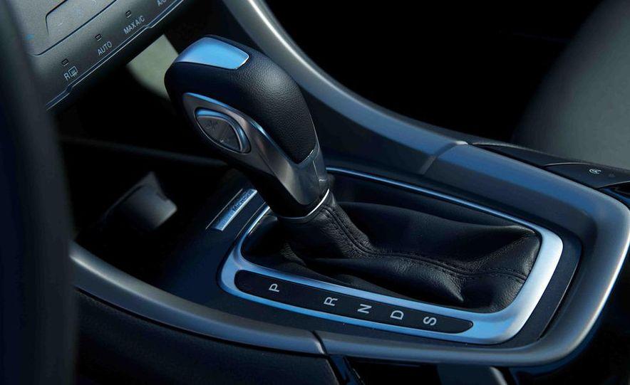 2013 Nissan Altima 2.5 SV sedan, 2012 Volkswagen Passat 2.5 SE, 2013 Honda Accord EX sedan, and 2013 Ford Fusion SE EcoBoost - Slide 30