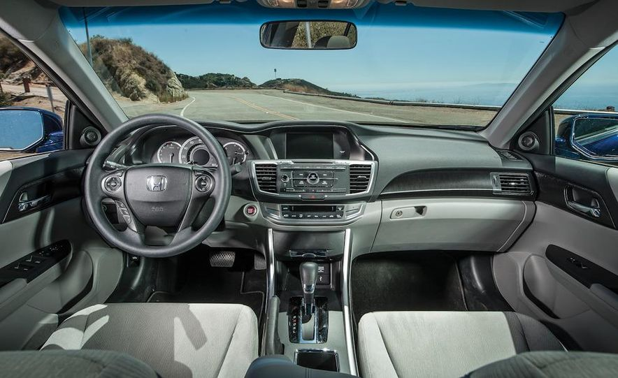 2013 Nissan Altima 2.5 SV sedan, 2012 Volkswagen Passat 2.5 SE, 2013 Honda Accord EX sedan, and 2013 Ford Fusion SE EcoBoost - Slide 46