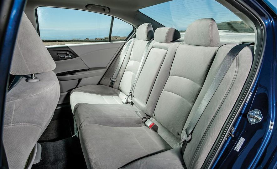 2013 Nissan Altima 2.5 SV sedan, 2012 Volkswagen Passat 2.5 SE, 2013 Honda Accord EX sedan, and 2013 Ford Fusion SE EcoBoost - Slide 48