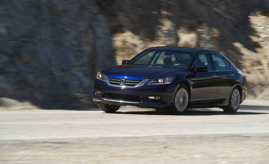 2013 Nissan Altima 2.5 SV sedan, 2012 Volkswagen Passat 2.5 SE, 2013 Honda Accord EX sedan, and 2013 Ford Fusion SE EcoBoost - Slide 39