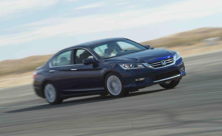 2013 Nissan Altima 2.5 SV sedan, 2012 Volkswagen Passat 2.5 SE, 2013 Honda Accord EX sedan, and 2013 Ford Fusion SE EcoBoost - Slide 42