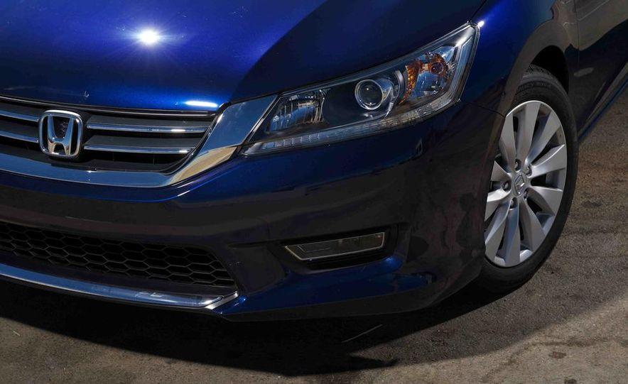 2013 Nissan Altima 2.5 SV sedan, 2012 Volkswagen Passat 2.5 SE, 2013 Honda Accord EX sedan, and 2013 Ford Fusion SE EcoBoost - Slide 44