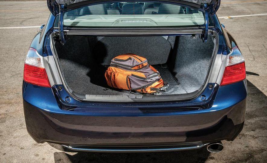 2013 Nissan Altima 2.5 SV sedan, 2012 Volkswagen Passat 2.5 SE, 2013 Honda Accord EX sedan, and 2013 Ford Fusion SE EcoBoost - Slide 55