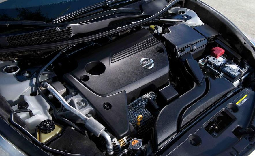 2013 Nissan Altima 2.5 SV sedan, 2012 Volkswagen Passat 2.5 SE, 2013 Honda Accord EX sedan, and 2013 Ford Fusion SE EcoBoost - Slide 77