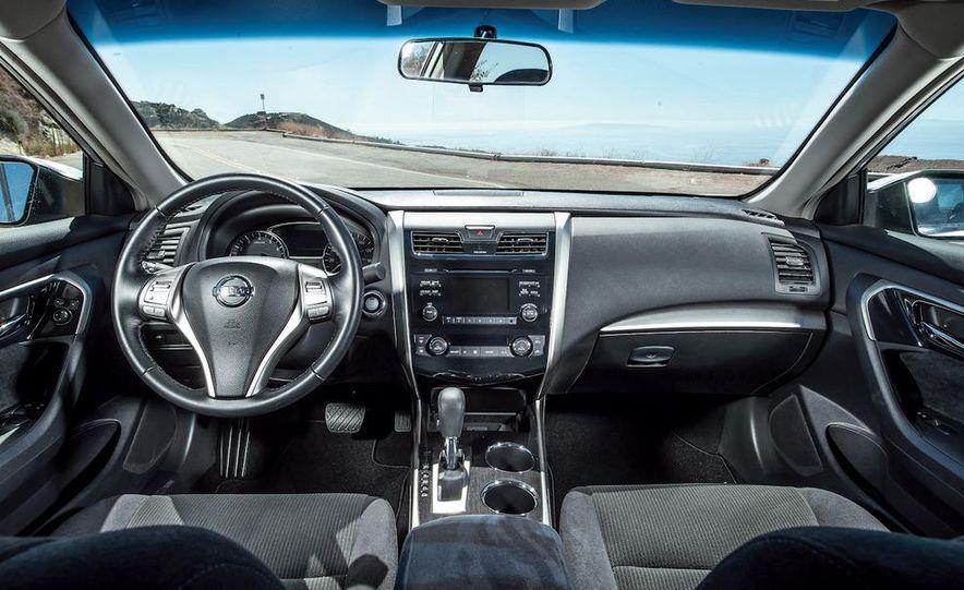 2013 Nissan Altima 2.5 SV sedan, 2012 Volkswagen Passat 2.5 SE, 2013 Honda Accord EX sedan, and 2013 Ford Fusion SE EcoBoost - Slide 66