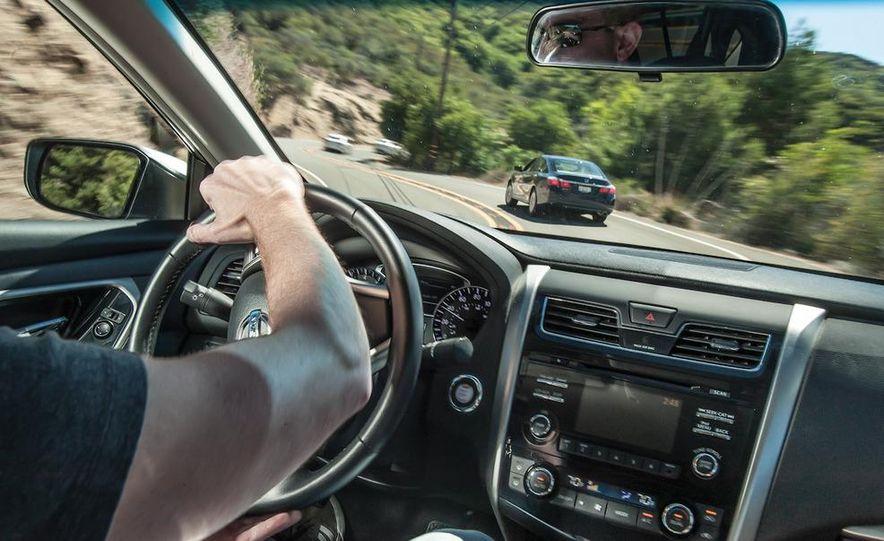 2013 Nissan Altima 2.5 SV sedan, 2012 Volkswagen Passat 2.5 SE, 2013 Honda Accord EX sedan, and 2013 Ford Fusion SE EcoBoost - Slide 74