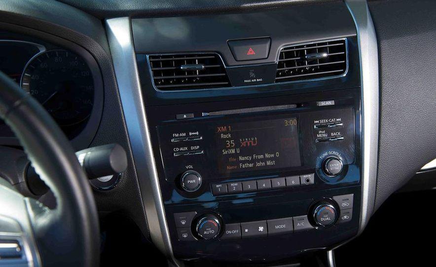 2013 Nissan Altima 2.5 SV sedan, 2012 Volkswagen Passat 2.5 SE, 2013 Honda Accord EX sedan, and 2013 Ford Fusion SE EcoBoost - Slide 71