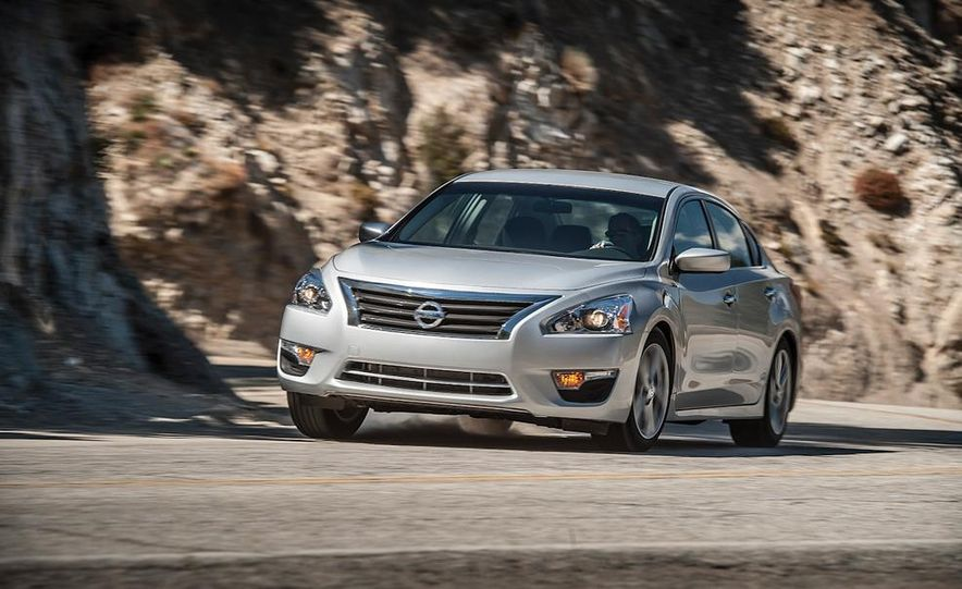 2013 Nissan Altima 2.5 SV sedan, 2012 Volkswagen Passat 2.5 SE, 2013 Honda Accord EX sedan, and 2013 Ford Fusion SE EcoBoost - Slide 58