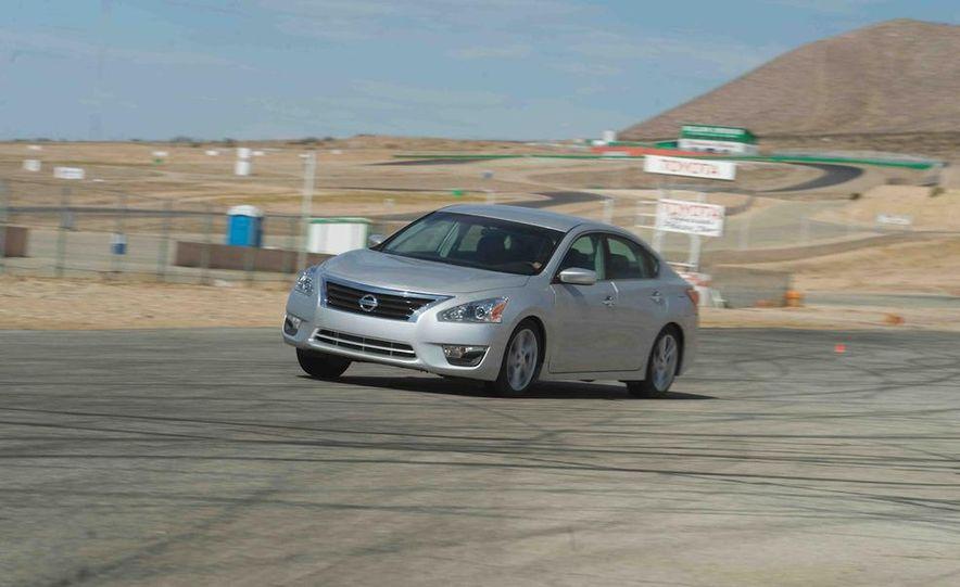 2013 Nissan Altima 2.5 SV sedan, 2012 Volkswagen Passat 2.5 SE, 2013 Honda Accord EX sedan, and 2013 Ford Fusion SE EcoBoost - Slide 59