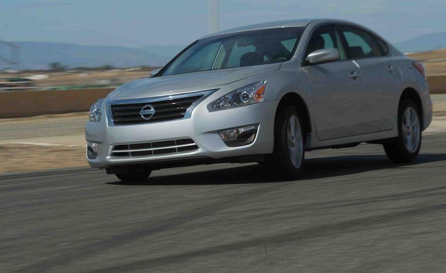 2013 Nissan Altima 2.5 SV sedan, 2012 Volkswagen Passat 2.5 SE, 2013 Honda Accord EX sedan, and 2013 Ford Fusion SE EcoBoost - Slide 60