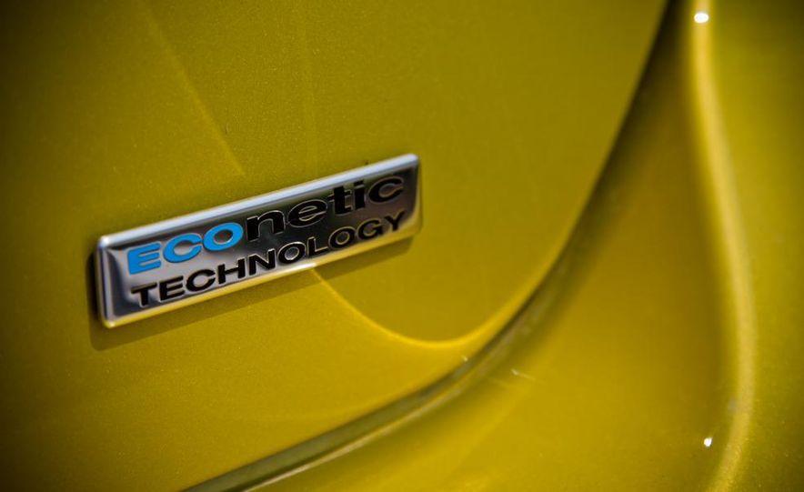 2012 Ford Focus 1.0L EcoBoost - Slide 12