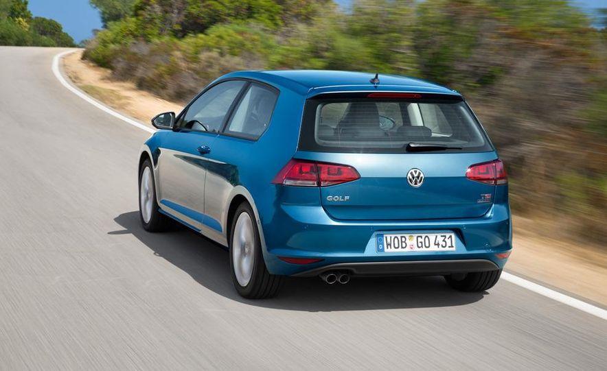 2015 Volkswagen Golf TSI BlueMotion 3-door - Slide 2