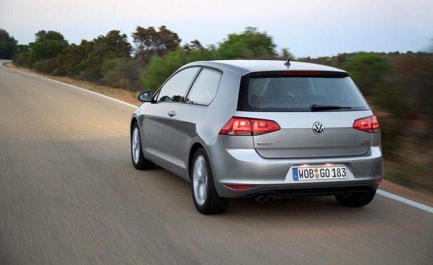2015 Volkswagen Golf TSI BlueMotion 3-door - Slide 6